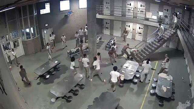 image bagarre-prison-chicago