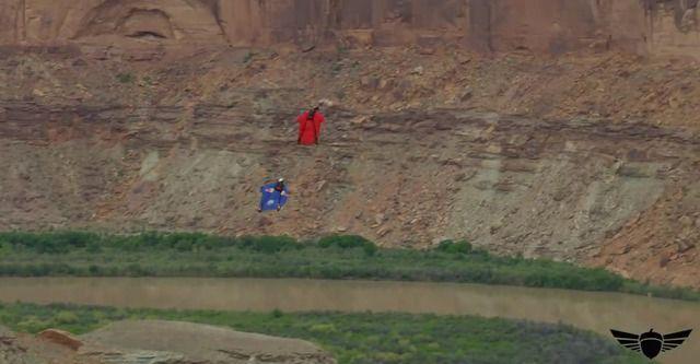 image reprendre-altitude-wingsuit