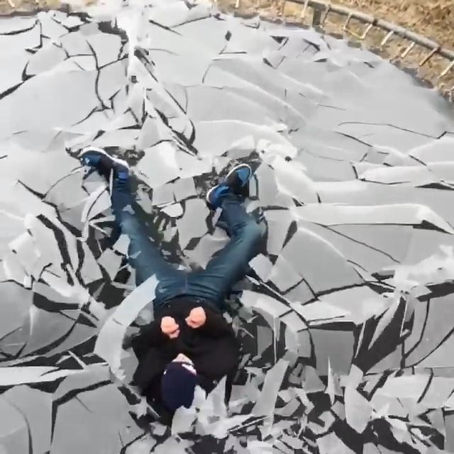 image sauter-trampoline-glace