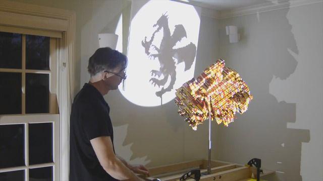 image sculpture-lego-trois-ombres-differentes