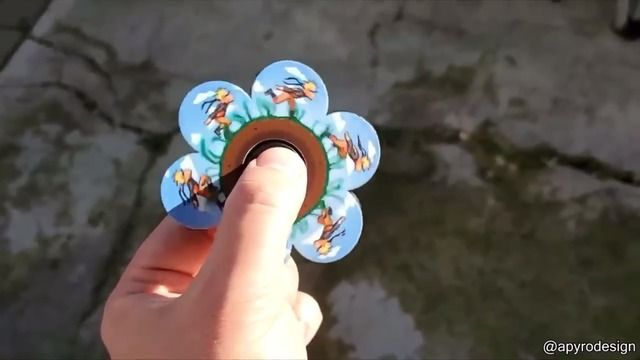 image animations-hand-spinner