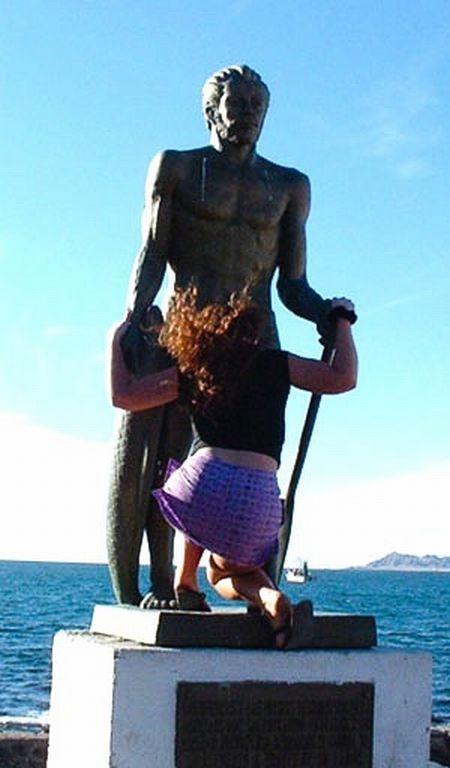 s-amuser-statues-21
