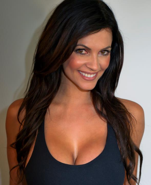 denise-milani-facebook-07