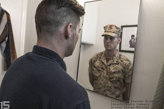 derriere-uniforme-militaire-11