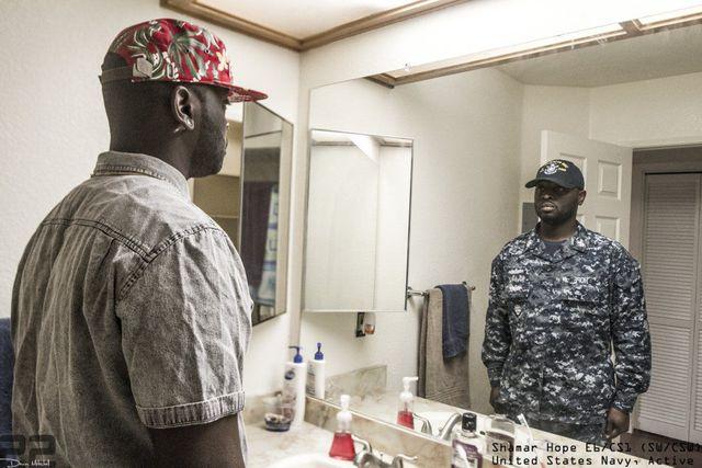 derriere-uniforme-militaire-26