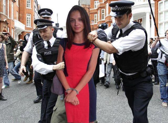 fille-victime-photoshop-trolls-20
