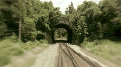 voyage-train-tunnel