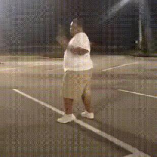 gros-danse-parking-tourne