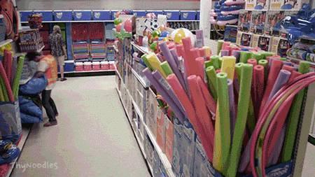 bateau-gonflable-detruit-rayon-jouets
