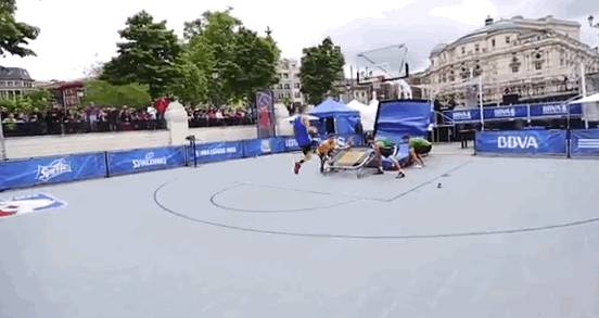 salto-dunk-trampoline-figure-backflip