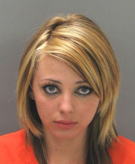 photos-arrestations-jolies-filles-31