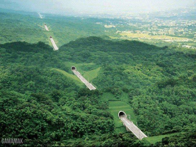 tunnels-travers-collines-taiwan