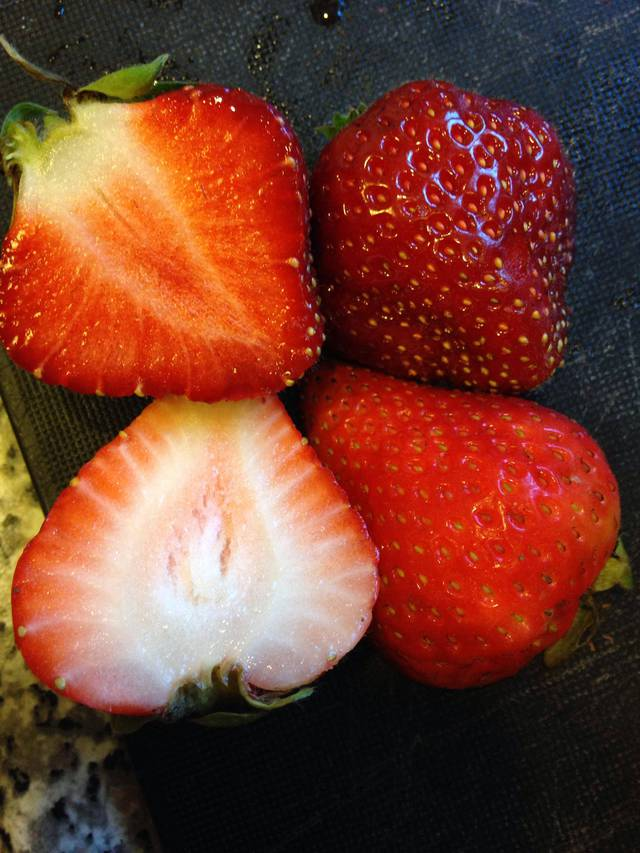 difference-fraise-jardin-supermarche