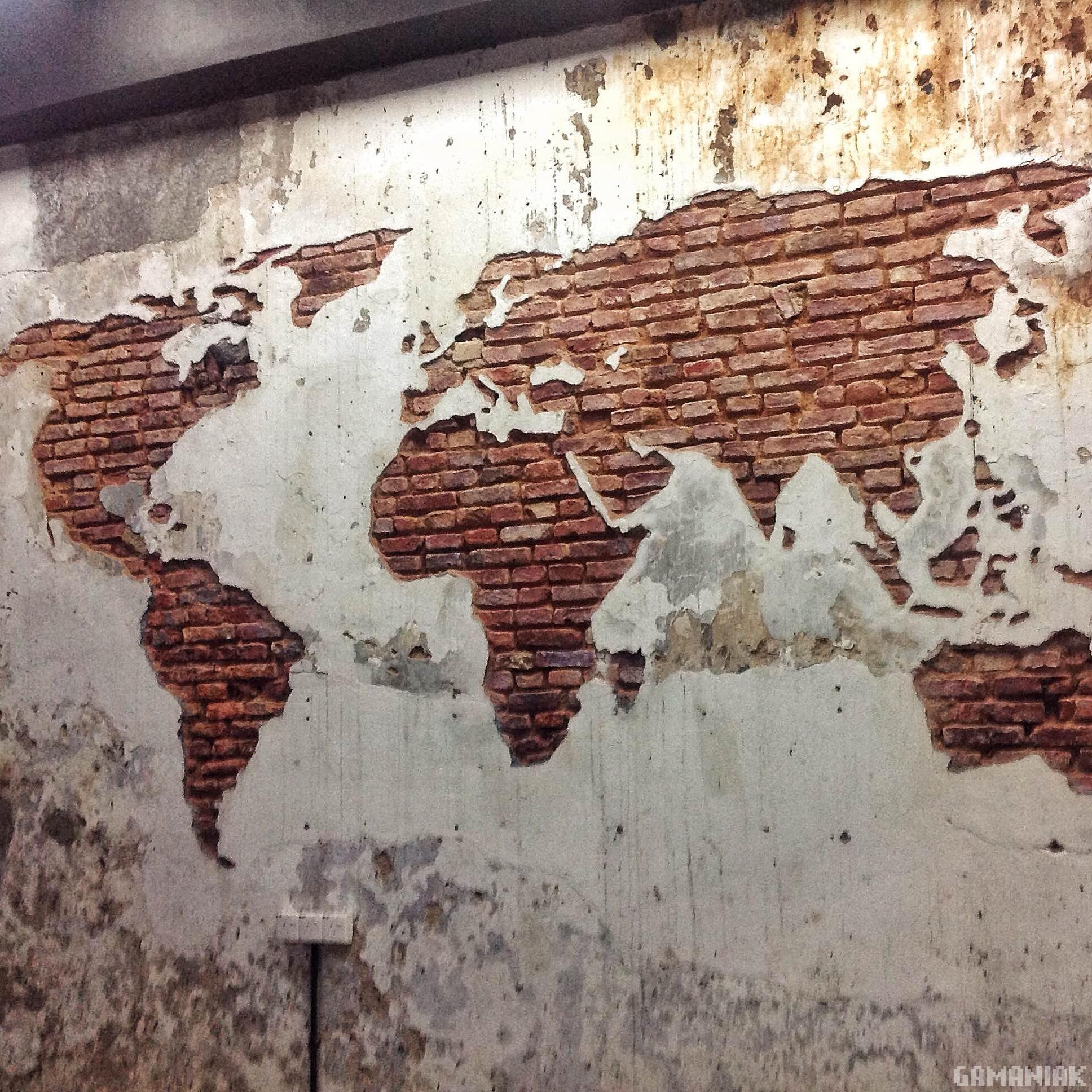 Carte du monde sur un mur