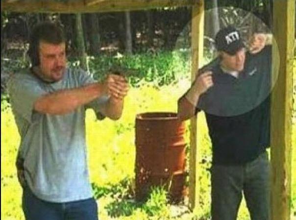 selection-naturelle-travail-pistolet-oreille