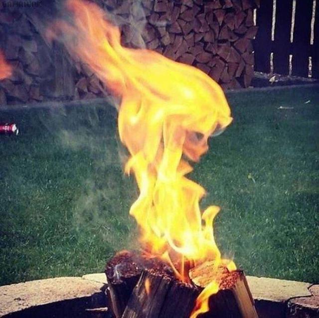 femme-flammes