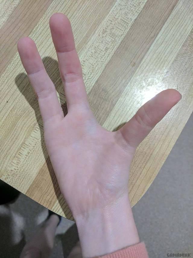 une-main-3-doigts