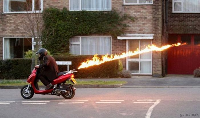 scooter-lance-flamme