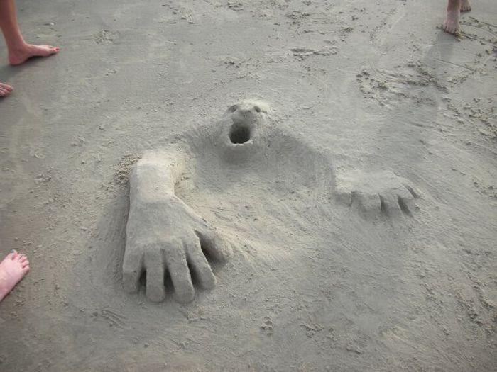 monstre-sort-sable