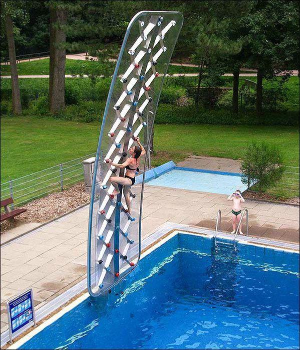 escalade-dessus-piscine