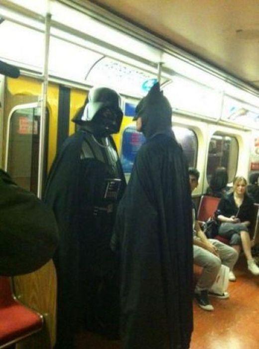 dark-vador-face-batman-dans-metro