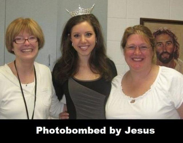 photobombed-jesus