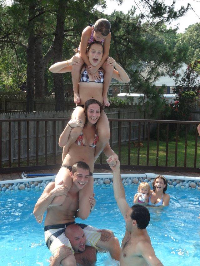 une-haute-tour-piscine