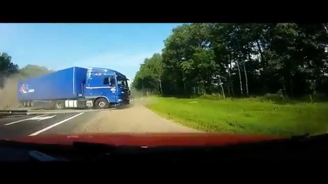 accidents de camions en russie. Black Bedroom Furniture Sets. Home Design Ideas