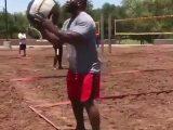 Du volley-ball pour avoir une hernie discale